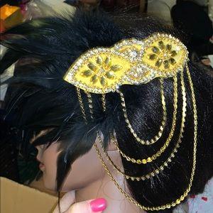 NWT Flapper head dress gold and black